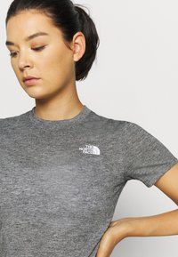 The North Face - W ACTIVE TRAIL WOOL  - Print T-shirt - black heather - 4