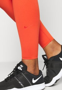 Nike Performance - ONE LUXE - Medias - mantra orange - 4