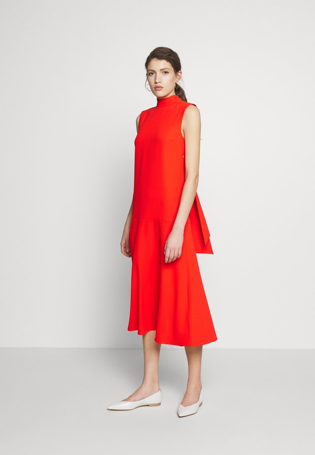 SLEEVELESS DRESS - Vapaa-ajan mekko - flame red