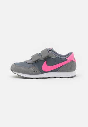 VALIANT  - Sneaker low - smoke grey/pink glow/white