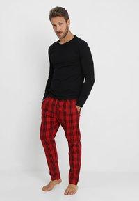 YOURTURN - Pyjama set - black/red - 0