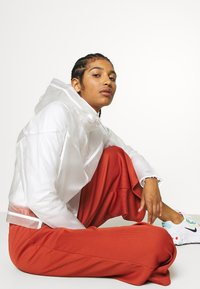 Nike Sportswear - TRANSPARENT - Bomberjacks - white - 3