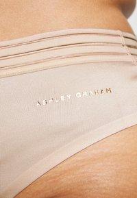 Ashley Graham Lingerie by Addition Elle - ESSENTIAL THONG - String - morganite - 4