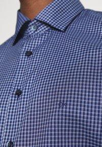 Calvin Klein Tailored - CHECK EASY CARE - Formal shirt - navy - 5