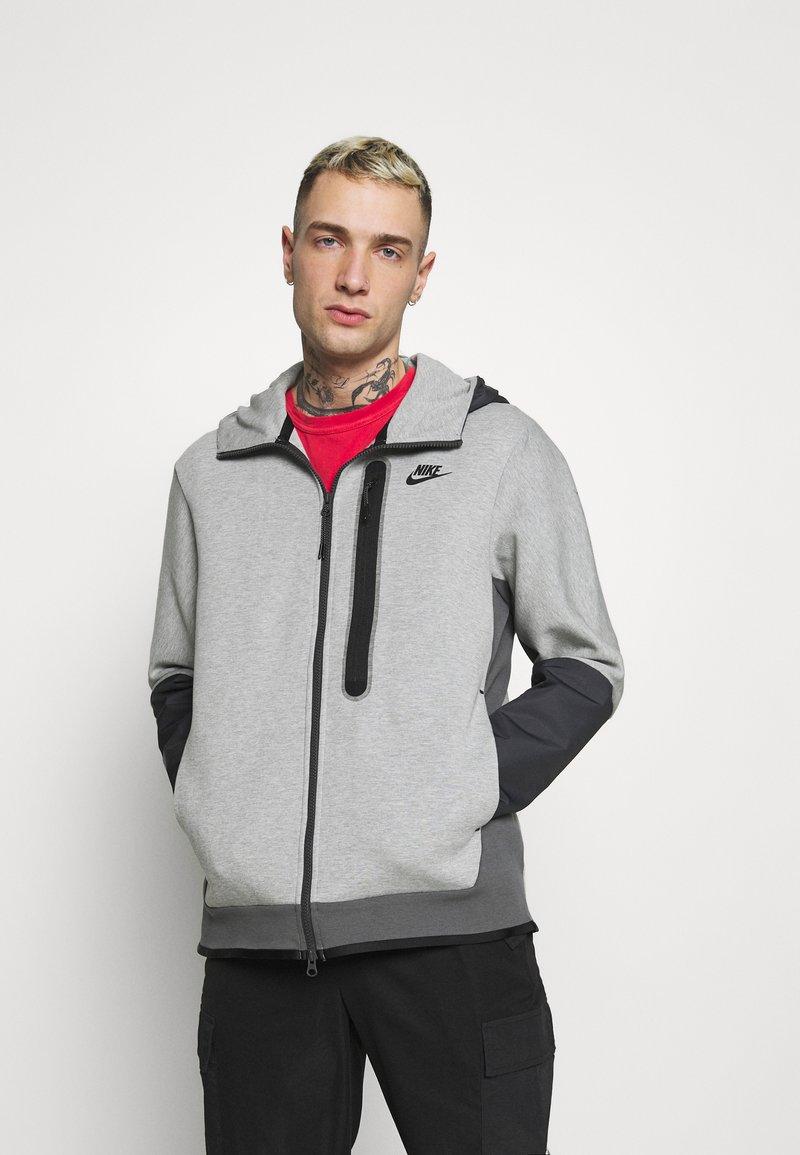 Nike Sportswear - HOODE MIX - Tröja med dragkedja - dark grey heather/iron grey/black