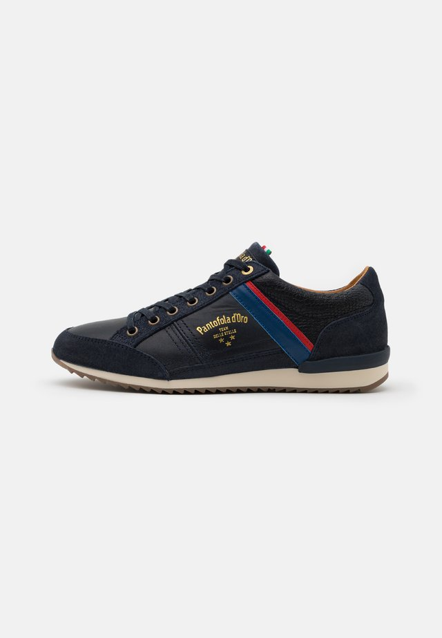 MATERA UOMO - Zapatillas - dress blues