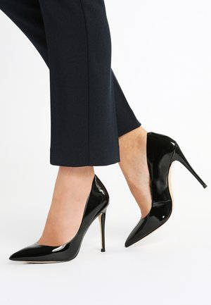 STESSY - High Heel Pumps - black patent