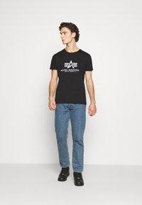 Alpha Industries - BASIC REFLECTIVE - Print T-shirt - black - 1