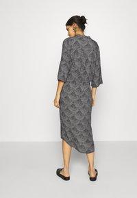 Soaked in Luxury - ZAYA DRESS - Day dress - black/creme - 2