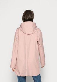 Ilse Jacobsen - RAINCOAT - Waterproof jacket - adobe rose - 2