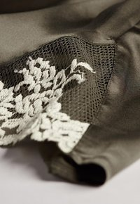 Intimissimi - PRETTY FLOWERS - Pyjama bottoms - grün agave green/ivory - 4