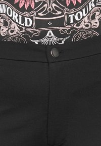 Even&Odd Curvy - 5 pockets PUNTO trousers - Trousers - black - 4
