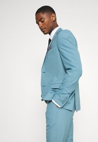Isaac Dewhirst - PLAIN SUIT SET - Suit - turquoise - 8