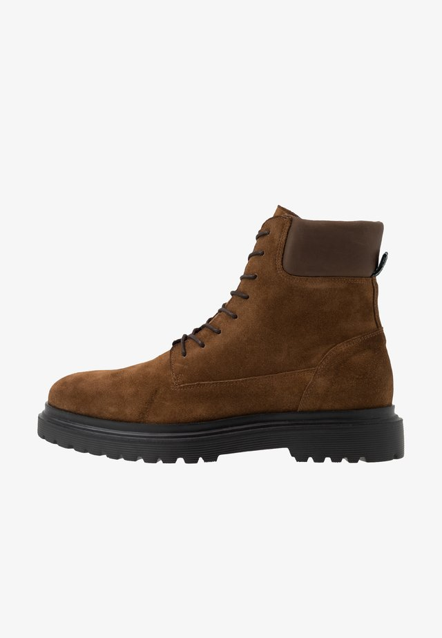 HEARD - Lace-up ankle boots - tobacco