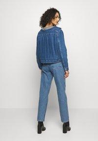 Levi's® Made & Crafted - OFF THE SHOULDR - Jeansjakke - blue denim - 2