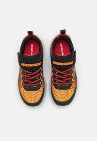Skechers Performance - GO RUN 650 NORVO UNISEX - Neutrální běžecké boty - black/red/orange - 3