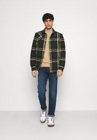 TOM TAILOR - MARVIN - Straight leg jeans - stone blue tint - 1