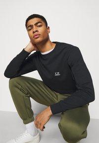 C.P. Company - CREW NECK - Sweatshirt - black - 3