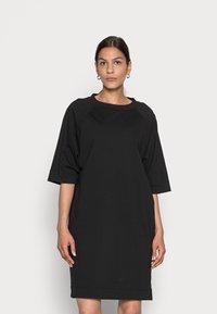 Marc O'Polo - DRESS BOAT NECK RAGLAN POCKETS AT SIDESEAM - Jersey dress - black - 0
