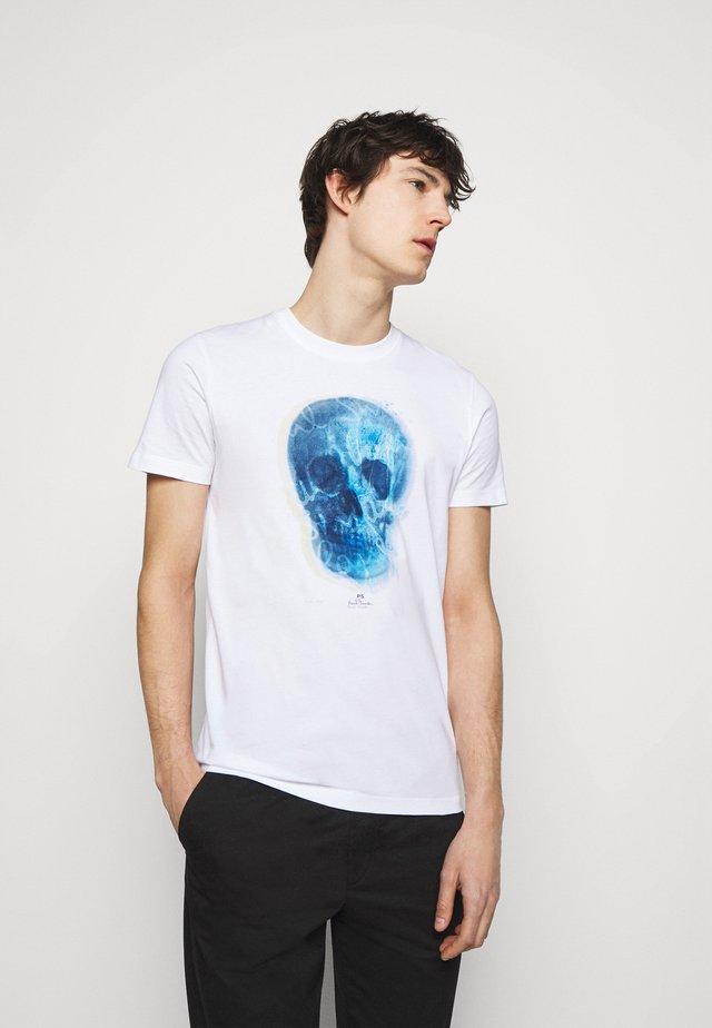 MENS SLIM FIT SKULL - Print T-shirt - white