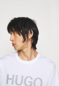 HUGO - DOLIVE - T-shirts print - white - 3