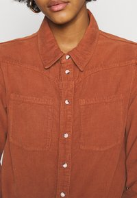 BDG Urban Outfitters - WESTERN SHIRT - Button-down blouse - gingerbread - 5