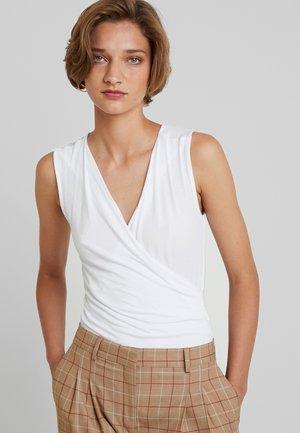 LAI - Top - white