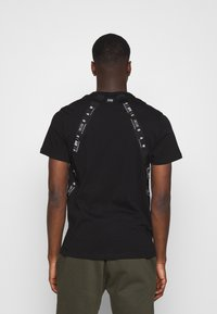 G-Star - SPORT A TAPE  - T-shirt con stampa - black - 2