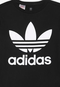 adidas Originals - TREFOIL - T-shirt z nadrukiem - black/white - 3