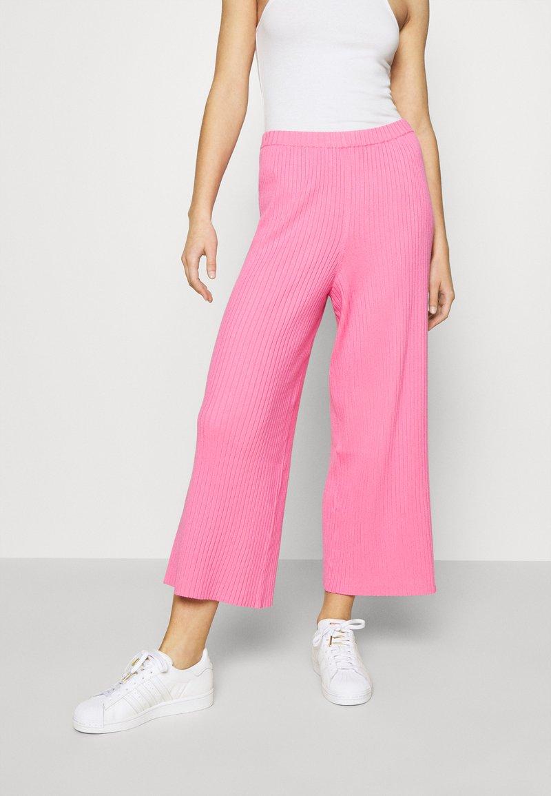 Monki - CALAH TROUSERS - Trousers - pink