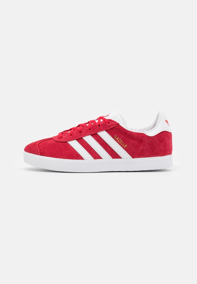 GAZELLE SHOES - Sneakers basse - red