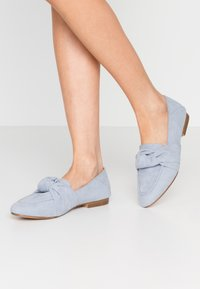 Topshop - AYLA KNOT LOAFER - Scarpe senza lacci - blue - 0