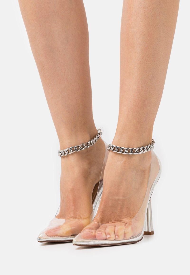 BEBO - RIDHAM - Classic heels - clear