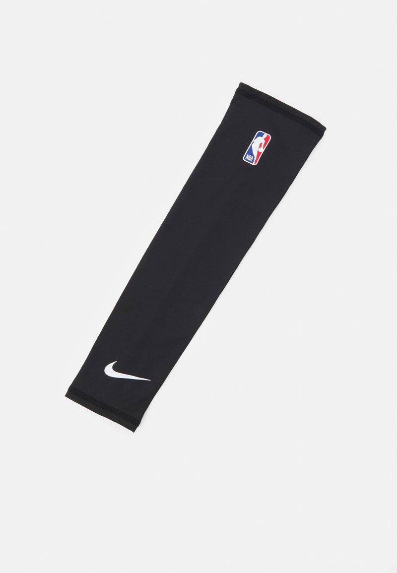 Nike Performance - SHOOTER SLEEVE 2.0 NBA - Arm warmers - black/white