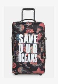 Eastpak - TRANVERZ  - Wheeled suitcase - save our oceans - 1