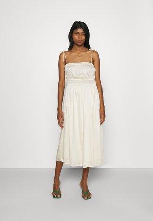 VMHELYN STRAP CALF DRESS  - Vestido informal - birch