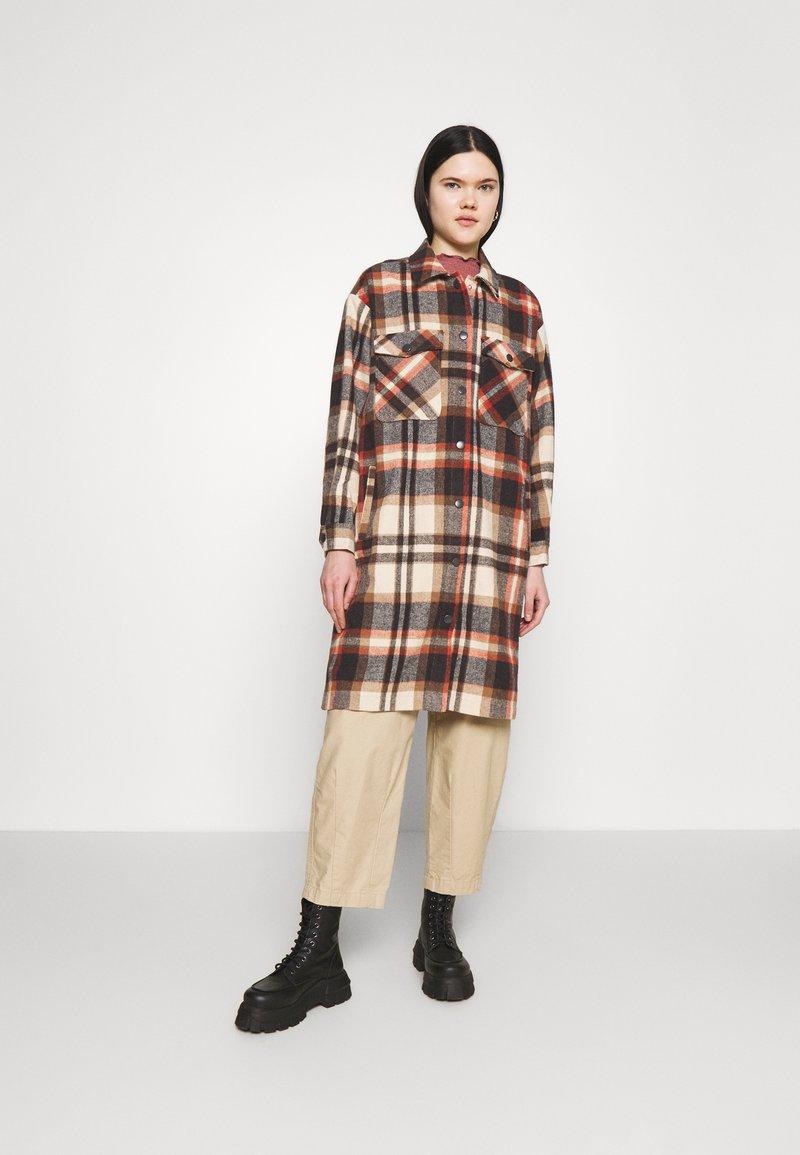 ONLY - ONLELLENE VALDA LONG CHACKET - Classic coat - blue/red