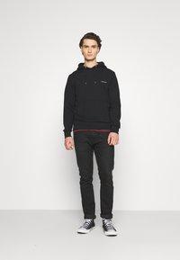 Calvin Klein - LOGO EMBROIDERY HOODIE - Hoodie - black - 1