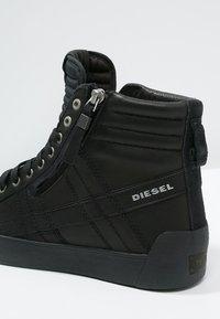 Diesel - D-STRING PLUS - Sneakers alte - black - 5