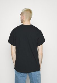 Night Addict - PRIX - T-shirt med print - black - 2