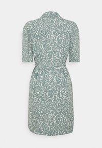 Vero Moda - VMLIVA SHORT SHIRT DRESS - Shirt dress - laurel wreath/liva - 6