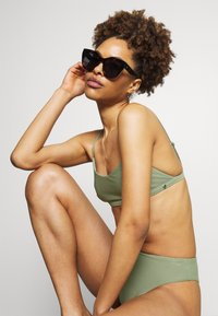 Seafolly - ESSENTIALS BRALETTE AND ESSENTIALS HIGH RISE - Bikini - khaki - 4