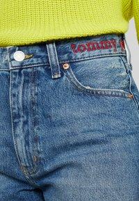 Tommy Jeans - HOT PANT SHORT ADRMR - Denim shorts - adour mid blue - 4