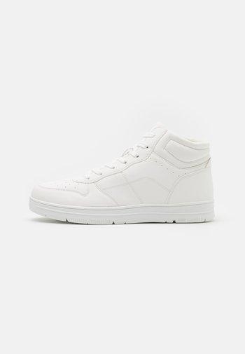 HAYWARD  - Korkeavartiset tennarit - white