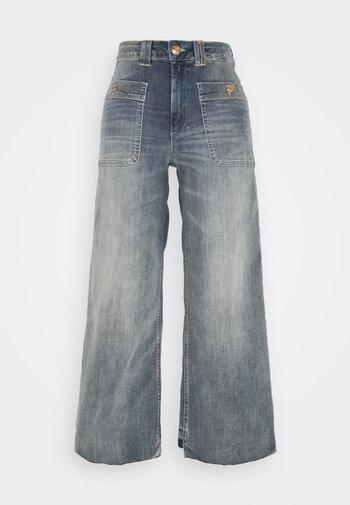 COLETTE IDA - Flared Jeans - blue