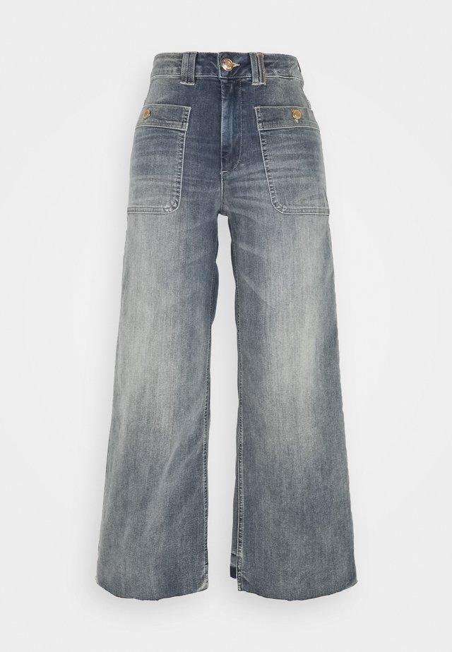 COLETTE IDA - Jeans a zampa - blue
