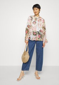 Dorothy Perkins - FLORAL PRINTED SEQUIN COVER UP - Giacca leggera - blush - 1