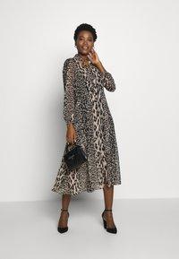Wallis - NEUTRAL ANIMAL TIE NECK MIDI DRESS - Day dress - stone - 1