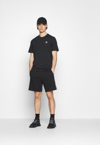adidas Originals - UNISEX - Shortsit - black - 1