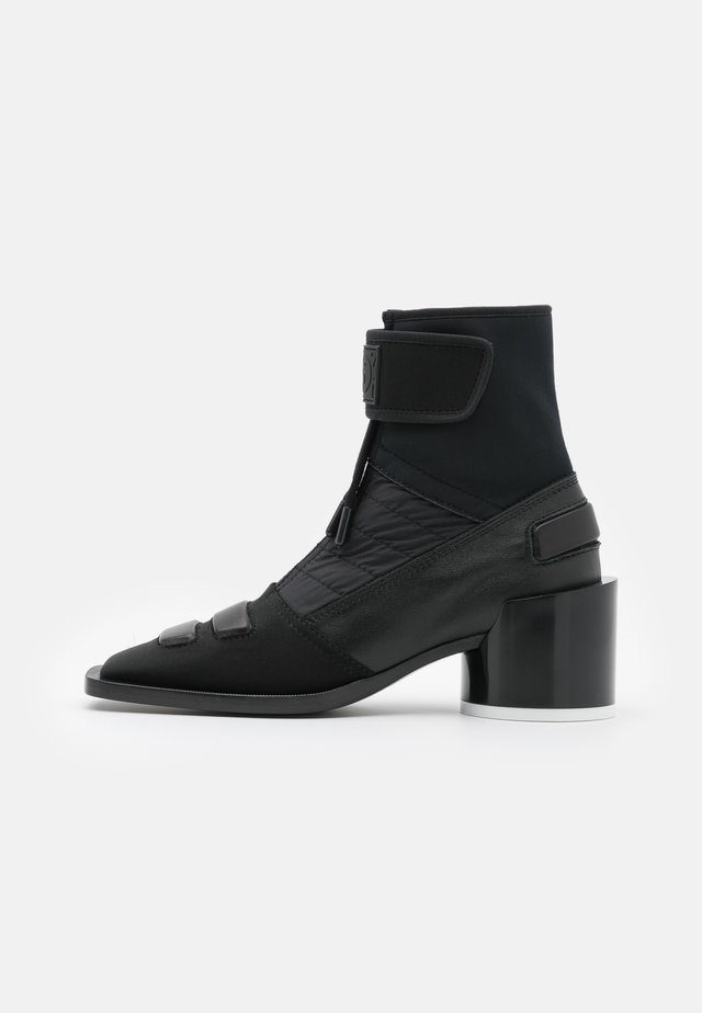 BOOT - Korte laarzen - black